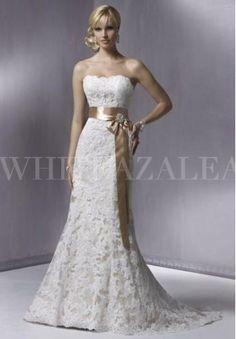 lace-strapless-mermaid-elegant-wedding-dress