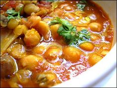 Ricette di Sardegna: Zuppa di ceci e arselle  I like, like, like garbanzos and this is THE soup.