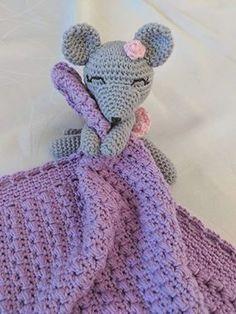 Nussekluden med Mussefine – By C. Designer Baby, Bandana Bib, Alpacas, Drops Design, Crochet Pattern, Ravelry, Crochet Hats, Blanket, Pink