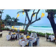 【innocencease】さんのInstagramをピンしています。 《とっても #fabulous なレストランで食事な訳ですがハプニング多し😂😂 これも思い出ってことでw #この後シャンデリア発火して電飾消える #スコールで席無くなるw  #samed #サメット島 #thailand #タイ #resort #リゾート #sea #ocean  #friends #smile #fine #latergram #instadaily #instagood #tbt #summer #travel #ig_japan #夏 #kohsamed #nice #海 #island #🇹🇭 #beach #ビーチ #saikeawbeachresort》