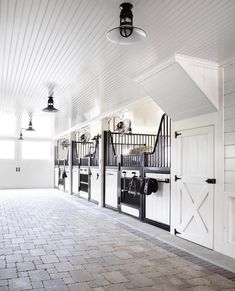 21 best stable interiors feed room images in 2019 horse stalls rh pinterest com