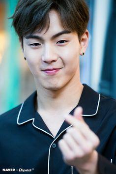 Monsta X Source: Naver x Dispatch Hyungwon, Monsta X Jooheon, Extended Play, Kpop, Baby Shark Music, Monsta X Funny, Won Ho, Starship Entertainment, Vixx