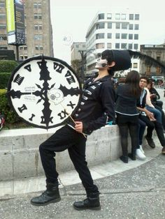 OH MY GOD THIS IS SO AMAZING<<< OMG IT'S A COSPLAY FROM THE BLACK PARADE OMG MCR MOMENTS!! OMG