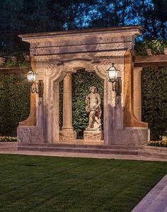 Love ITalian classic  ornament in garden