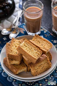 Learn how to make rusks at home with this easy rusk recipe! Rusks are twice baked toasrs which are best enjoyed with chai! Eggless Desserts, Eggless Baking, Tea Rusk Recipe, Rusk Bread Recipe, Chai, Cookie Recipes, Snack Recipes, Bread Recipes, Yummy Recipes