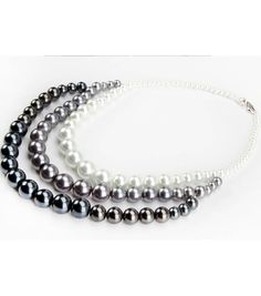 Love this cascading ombre pearl necklace!