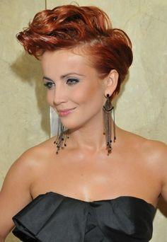 Love this actress' hair. Both the cut and the colour (Katarzyna Zielińska).
