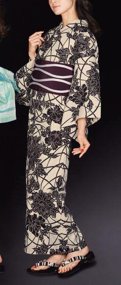 麻と綿の布17024 Kimono Japan, Japanese Kimono, Asian Fashion, Love Fashion, Japanese Photography, Kimono Design, Summer Kimono, Muumuu, Japanese Beauty