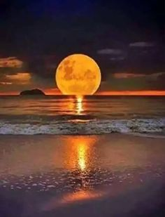 I love scenic views Beautiful Moon, Beautiful Places, Pretty Pictures, Cool Photos, Image Nature, Shoot The Moon, Nature Pictures, Amazing Nature, Belle Photo