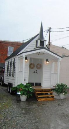 """Towable chapel lets you tie the knot, tiny house-style"" • design: Bil Malbon of Richmond, Virginia • photo: Tiny Chapel Weddings on Gizmag"