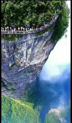 Travel with Travelon bags!Glass walkway that runs along the side of Tianmen Mountain in Zhangjiajie National Forest Park - China Places To Travel, Places To See, Places Around The World, Around The Worlds, Travel Around The World, Scary Bridges, Tianmen Mountain, Amazing Nature, Wanderlust