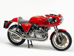 Imagine rocking up to the next Cafe Racer meet on this Egli Vincent.