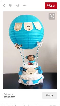 Diaper cake - Tarta de pañales - Baby shower gifts and crafts Idee Baby Shower, Bebe Shower, Baby Shower Diapers, Baby Shower Cakes, Baby Shower Parties, Baby Shower Themes, Baby Boy Shower, Baby Shower Gifts, Baby Gifts