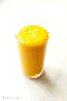 Smoothie poire carotte citron gingembre amande