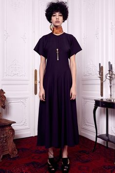 See the complete Ellery Pre-Fall 2016 collection.