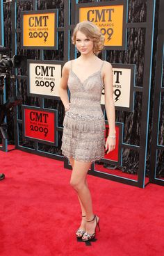 Taylor Swift Photos - 2009 CMT Music Awards - Arrivals - Zimbio
