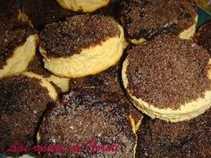 """Facturas"": ""Tortitas negras"" (little cakes with top of black sugar). - NO RECIPE Desserts To Make, Great Desserts, Sweets Recipes, Baking Recipes, Argentine Recipes, Argentina Food, Pan Dulce, My Dessert, Gastronomia"