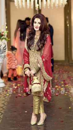 Latest Asian Bridal Mehndi Suits For Yr 19 Collection With Price Tag, Pakistani Party Wear Dresses, Shadi Dresses, Designer Party Wear Dresses, Indian Gowns Dresses, Pakistani Bridal Dresses, Pakistani Wedding Dresses, Pakistani Dress Design, Pakistani Outfits, Walima Dress