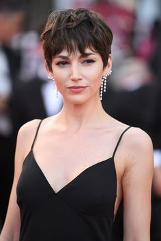 """Ursula Corbero – """"Everybody Knows"""" Premiere and Cannes Film Festival 2018 Opening Ceremony Pixie Hairstyles, Cool Hairstyles, Pixie Haircuts, Hair Inspo, Hair Inspiration, Cannes, Curly Hair Styles, Natural Hair Styles, Great Hair"""