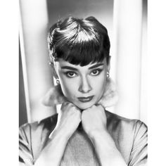 Audrey Hepburn posing in gorgeous #celebrity #portrait