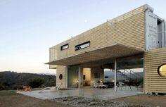 Tendance Maisons containers maritimes #terrasse #maison #bois http://www.novoceram.fr/blog/architecture/construction-maison-container