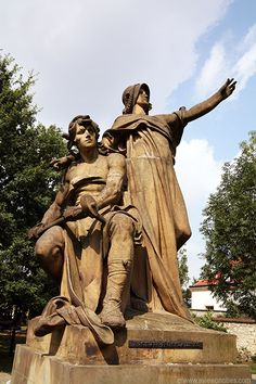 Statue of Přemysl and princess Libuše, Vyšehrad Park - Prague Pictures 78/252