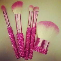 E.L.F Pink Gem Brushes  ☺✨․լ̰́ӭ̣̍T̺͆'§͈̊․‷ᗰ̲̗a⃞Ƙ̏ɝ͎ ੫̼̊ᖘ̇‴․✨☺