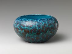 Bowl. Qing dynasty (1644–1911), Yongzheng mark and period (1723–35). China. The Metropolitan Museum of Art, New York. Gift of Dr. and Mrs. George Fan, in honor of J. M. Hu, 1985 (1985.389) #peacock