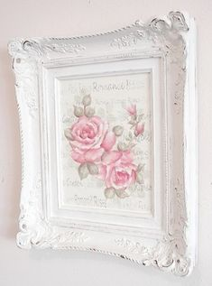 - Do you love shabby chic home decor? How about farmhouse decor? This Shabby Chic Upcy .- Do you love shabby chic home decor? How about farmhouse decor? This shabby chic upcycled photo frame is Jardin Style Shabby Chic, Cottage Shabby Chic, Cocina Shabby Chic, Muebles Shabby Chic, Shabby Chic Living Room, Shabby Chic Interiors, Shabby Chic Bedrooms, Shabby Chic Kitchen, Shabby Chic Homes