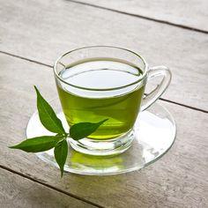 Dieta de Té Verde para Adelgazar. Una de las maneras más efectivas y saludables para adelgazar y recobrar la salud es por medio de la dieta del té verde, la cual es muy fácil de hacer, no n