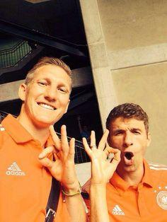 Bastian Schweinsteiger und Thomas Müller. Das beste was Deutschland fußballerisch zu bieten hat.