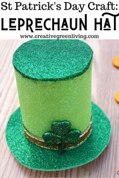 How to make a mini leprechaun hat for St Patrick's day. You can put it on a headband or an elastic to wear it or use it as part of a centerpiece or other St Patrick's Day decorations. St Patricks Day Crafts For Kids, St Patrick's Day Crafts, Hat Crafts, Crafts To Sell, St Patricks Day Quotes, St Patricks Day Food, Crafts For Seniors, Crafts For Teens, St Patrick's Day Outfit