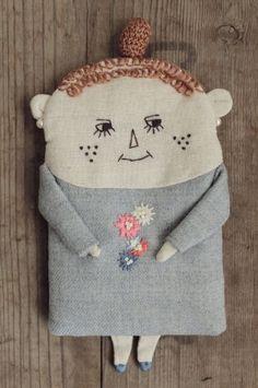 nesessaire ぶさいくちゃんポーチGY - crochet