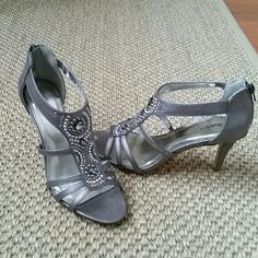 Shoes Embellished pewter 4.5 inch heels back zipper Style & Co Shoes