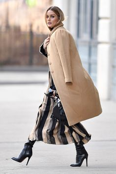 What Celebrities Are Wearing This Winter 2017 - Fashion Style Mag