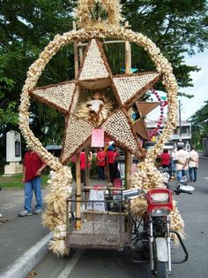 Baler Parol - Baler Christmas Parol, Christmas Lanterns Diy, Christmas Crafts, Christmas Decorations, Recycled Parol, Christmas And New Year, Christmas Time, Filipino Culture, Baler