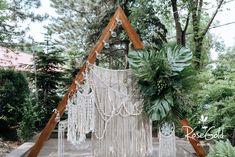 Aranjamente Florale pentru Nunti, buchete, decorațiuni. Calitate și creativitate pentru nunți și botezuri minunate! Suna-ma chiar acum! Floral Wedding, Wedding Flowers, Bucharest, Ladder Decor, Tropical, Wreaths, Bride, Boho, Ideas