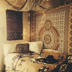 Reminds me a little of the gypsy homes I went to in Romania <3