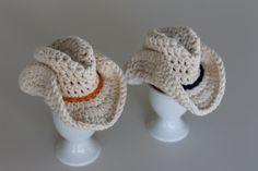 crochet egg cosys Cowboyhat creme