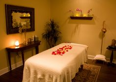 The Woodhouse Day Spa® is an expert in massage therapy. Choose from our wide array of massage options, including our Deep Tissue Massage, Swedish Massage, and Reflexology Foot Massage. Decor, Reiki Room, Relaxation Room, Beauty Room, Room Pictures, Massage Studio, Massage Room Design, Massage Room Decor, Therapy Room