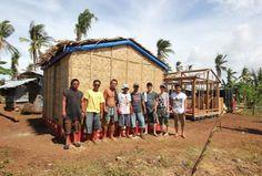 """Shigeru Ban propone la """"Solución Filipina"""" para las viviendas temporales del terremoto de Ecuador"""