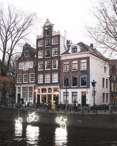 Read this first if you want to travel to Europe and visit one of the most beautiful places. Top 7 Places to See in Europe Before You Die Amsterdam City Centre, Holland Netherlands, Amsterdam Netherlands, Dutch House, Places To See, Landscape Photography, Beautiful Places, Around The Worlds, Europe
