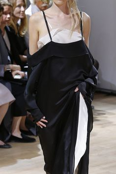 Yohji Yamamoto Spring 2015 Ready-to-Wear Fashion Show