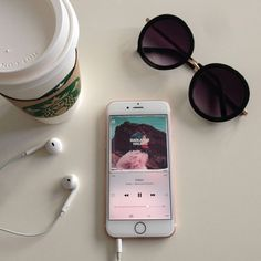 halsey, iphone, and music image Fotos Tumblr Pinterest, Aesthetic Photo, Aesthetic Pictures, Instagram Feed, Instagram Story, Disney Instagram, Tumblr Photography, Tumblr Wallpaper, Aesthetic Wallpapers