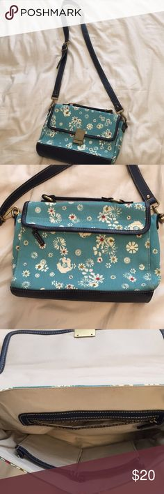 EUC Jason Wu for Target Shoulder Bag For those flower children with cute taste, this purse is big enough for the essentials! Near perfect condition, just minor scratches on name plate, this has never been worn out and needs a home after hiding in my closet Jason Wu Bags Shoulder Bags