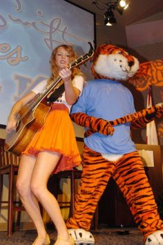 Taylor Swift loves Auburn