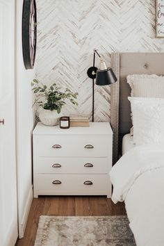How You Can easily refinish your side tables without spending a dime. Modern Farmhouse White Side Tables with a Restoration Hardware Look. Painted Side Tables, White Side Tables, Modern Side Table, Bed Side Table Ideas, Farmhouse Side Table, Modern Farmhouse, Modern Country, Bedside Table Decor, Bedside Table Styling