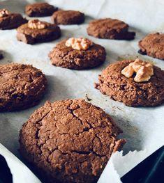 Antes de que me preguntes, ya te contesto yo: no, no saben a garbanzos. Y, sí, prometido que estas galletas de garbanzos están sorprendentemente ricas Healthy Dessert Options, Healthy Desserts, Vegan Detox, Cookie Time, Brownie Cookies, Healthy Cookies, Sin Gluten, Love Food, Bakery