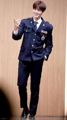 Eunwoo astro ( ˘ ³˘)❤ Asian Actors, Korean Actors, Chanyeol, Cha Eunwoo Astro, Astro Wallpaper, Lee Dong Min, Astro Fandom Name, Blue Flames