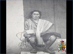 """TURISMO EN CIUDAD JUÁREZ Antes de la llegada de los españoles, en esta zona habitaron los indios Sumas y Mansos. Estos últimos eran los más abundantes en la región y fueron quienes solicitaron su incorporación al cristianismo. El nombre de estos indios (mansos) proviene de sus encuentros con los españoles, quienes tranquilizaban a sus perros para que no mordieran a los indígenas diciendo """"sal de ahí, manso"""". www.turismoenchihuahua.com"""